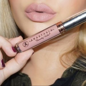 NEVER USED ABH lipstick